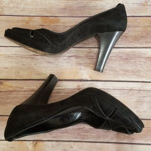 Kenneth Cole New York  Black suede heels.
